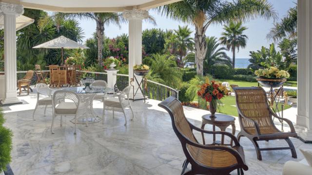 urgent puerto banus beach maison avant vente. Black Bedroom Furniture Sets. Home Design Ideas