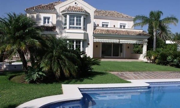 Newer Villa for sale 2nd line beach Marbella East