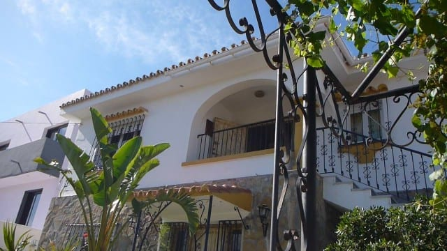 €475.000 Nueva Andalucia Villa views to Sea & Mountains