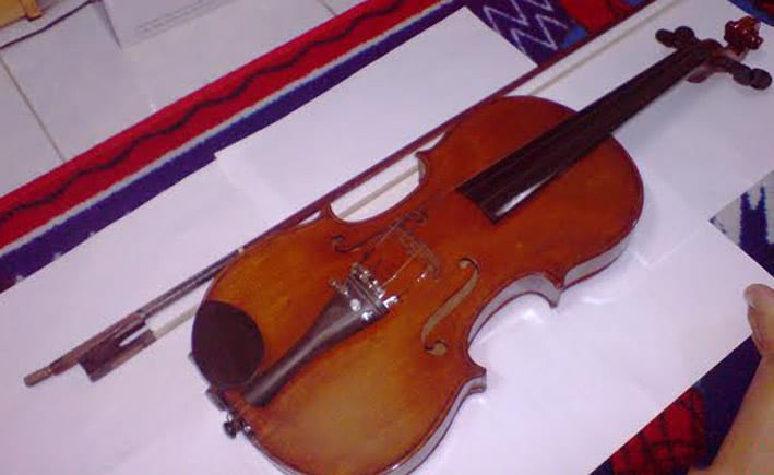 Antonio-Stradivari-Stradiuarius-violin-for-sale-made-1707