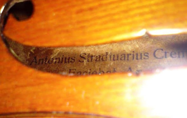 Antonio-Stradivari-antoniys-stradiuarius-violin-for-sale