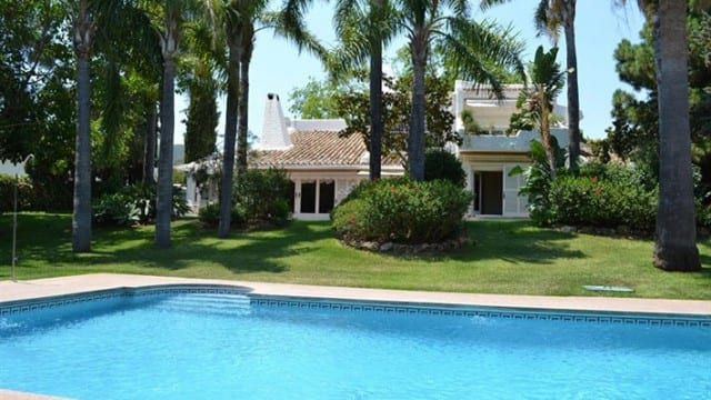 Villa for sale in Prestigious area East of Marbella