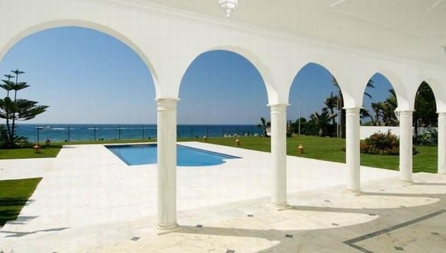 Reduced – Beachfront palace for sale west of Marbella