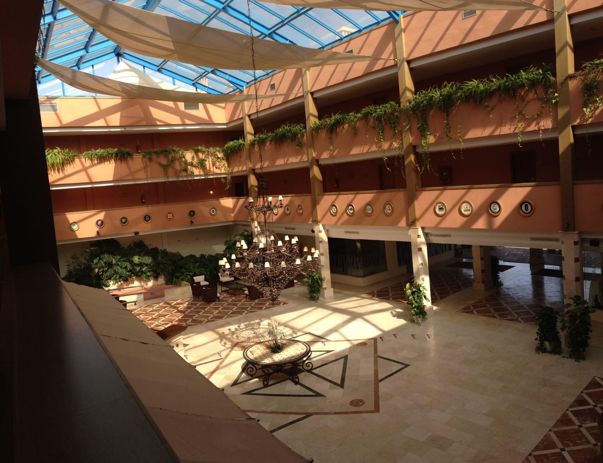 von 70 000 60 zimmer zum verkauf 4 sterne hotel s d spanien. Black Bedroom Furniture Sets. Home Design Ideas