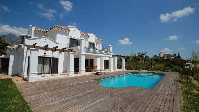 €1.95m – 5bed villa Golden Mile – Marbella -Spain