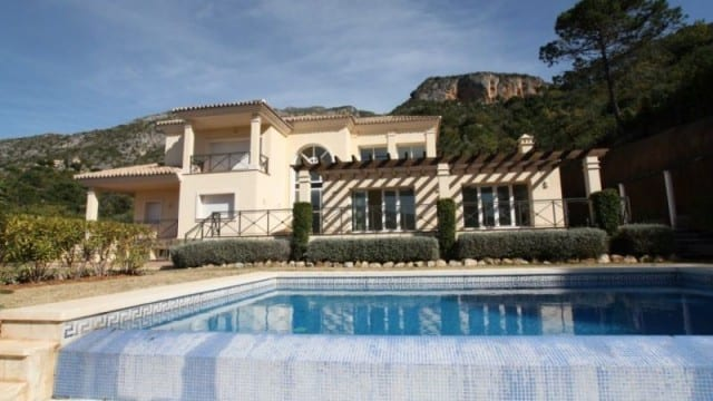 REDUCED Near Puerto Banus.Villa 10.000m2 plot great views