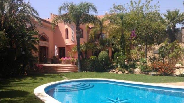 Reduced €4m > €2.9m Mansion East Marbella 5900m2 plot views