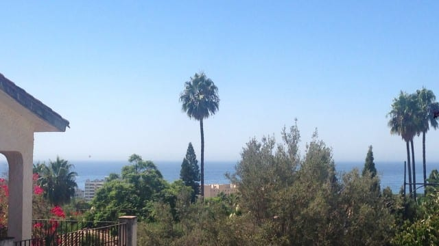 Villa with Panoramic views over Marbella town and sea 1790m2 plot
