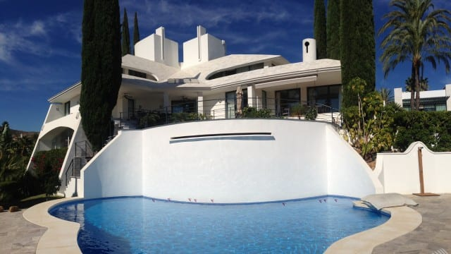 Villa with tennis court for sale Nueva Andalucia Marbella