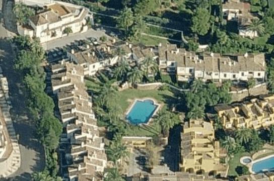 Marbella Golden mile townhouse, small gated urbanzation