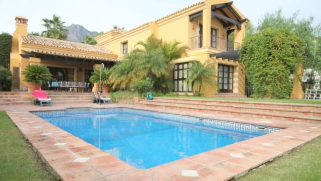 Sold Altos Reales.Bargain villa in Luxury Gated Urbanization