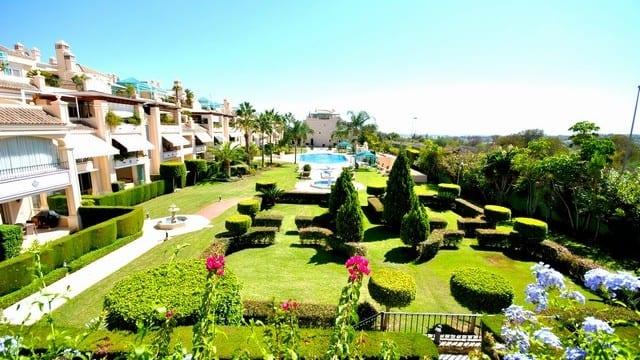 Bargain 3 bed apt. 5 stars development Golden Mile Marbella