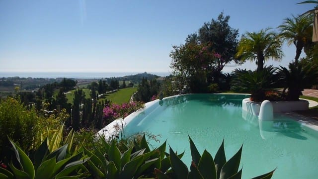 SOLD Unique villa with amazing views for sale in Benahavis