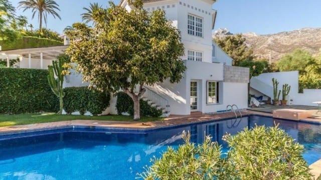 Marbella hillside villa for sale