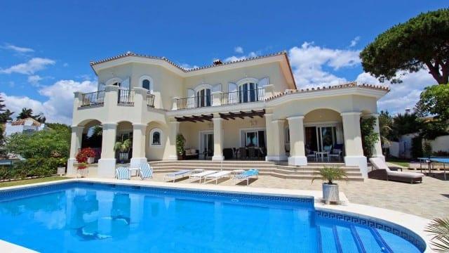 South facing Sunny villa for sale El Rosario