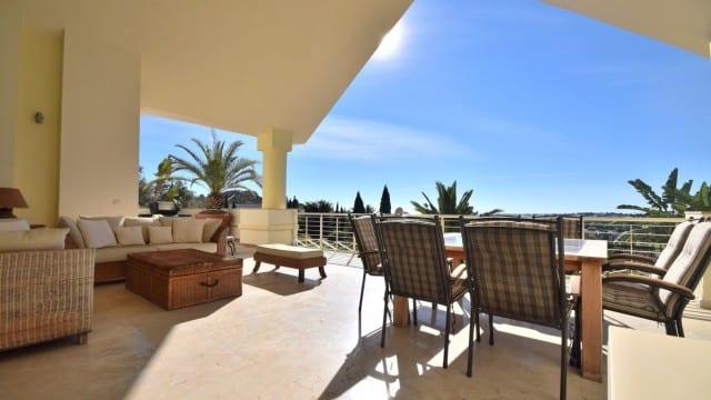 South facing luxury villa for sale Nueva Andalucia