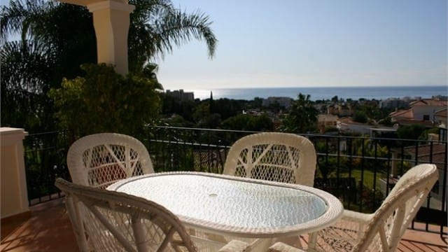 Quality new villa with sea views & Lift Marbella East