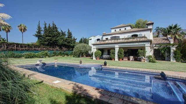 6 bedroom villa for sale near Marbella Club Hotel