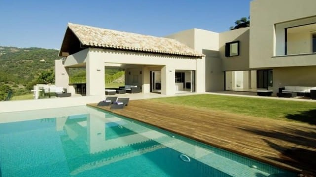 Benahavis Golf & Country club modern villa for sale