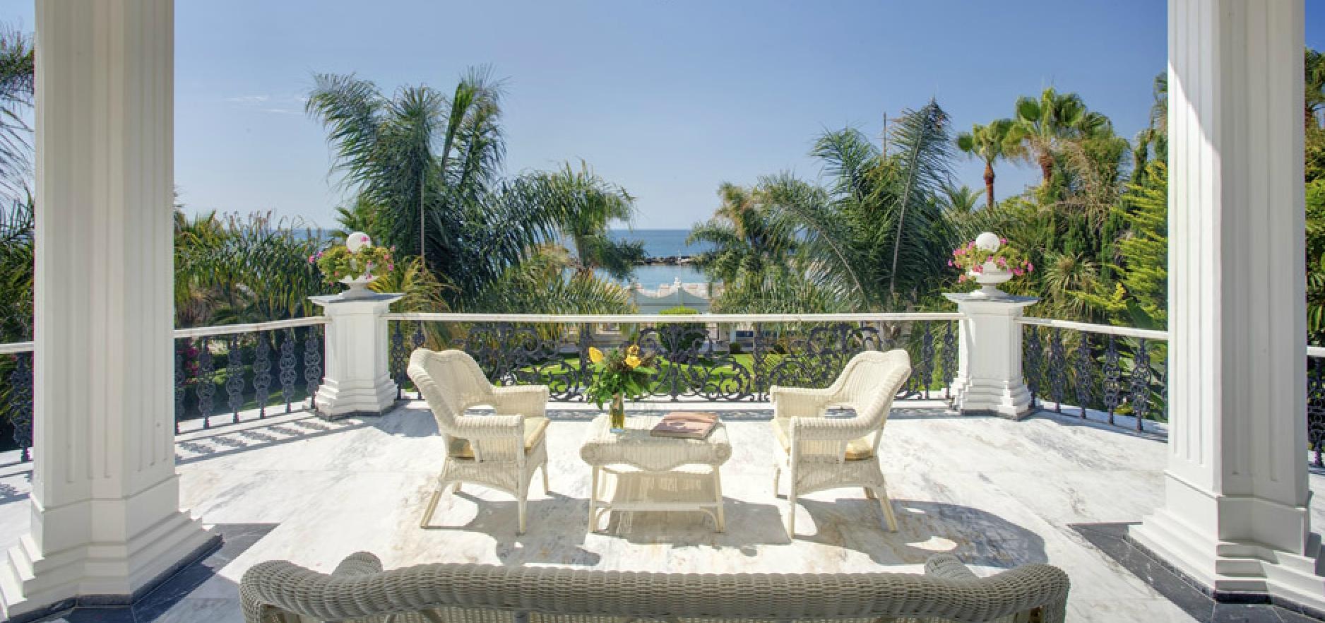 Puerto banus.beach voorzijde paviljoen te koop & huur