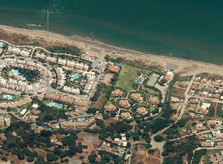 Build 3 villas or Hotel.Plot for sale Marbella beachside