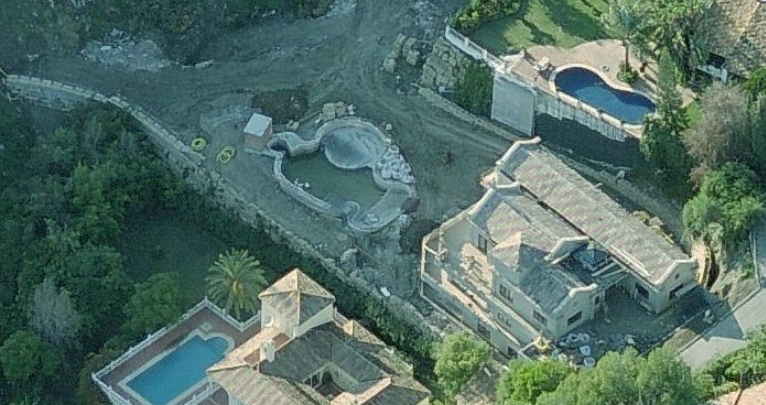 Unfinished villa on plot with sea views Benahavis
