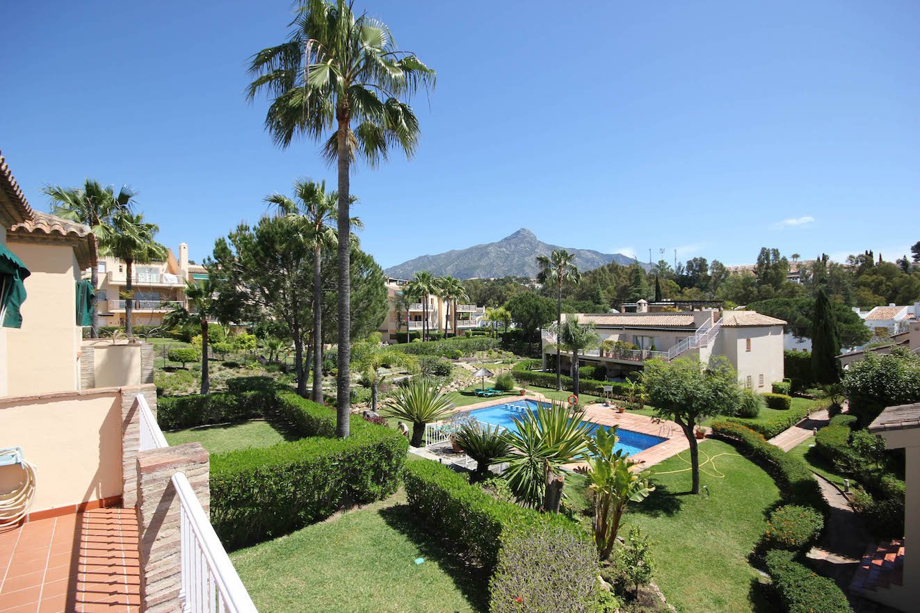 3bed Penthouse for sale Nueva Andalucia.Tennis court