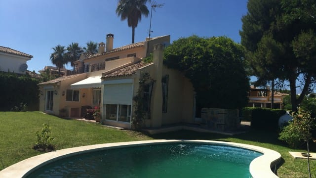 South facing Villa for sale New Golden Mile