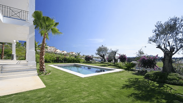Southwest facing Quality villa for sale Benhavis