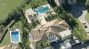 Nueva Andalucia – Modern villa 1st line Golf
