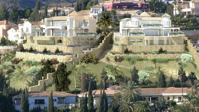 El Paraiso 5000m2 plot.Custom build 2 villas sea views