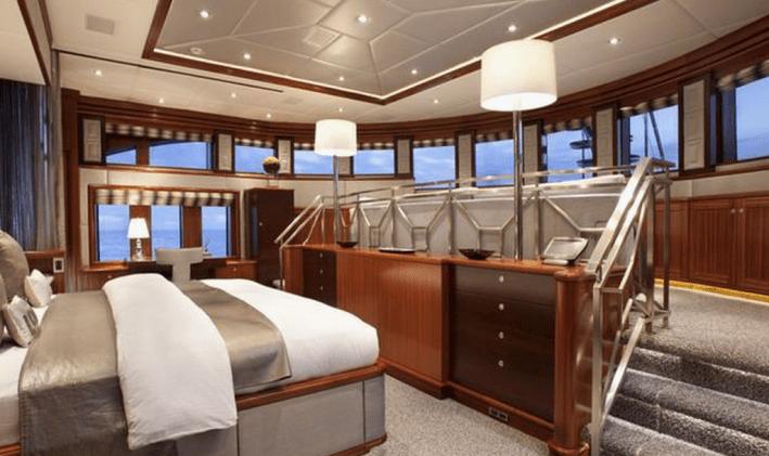 Rockstar-charter-yacht
