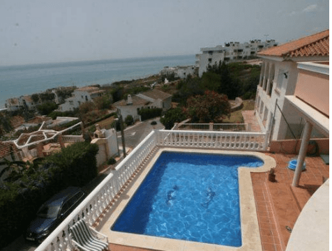 Bargain Sea views villa Estepona €525.000