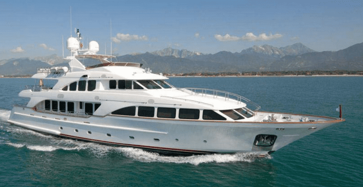 ROMANZA Benetti Tri-deck 36,58m yacht refitted 2015.