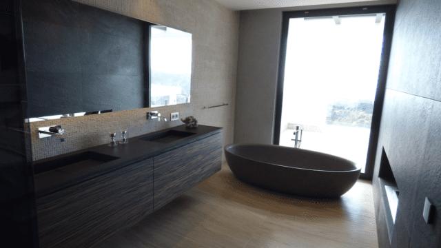 modernvillalazagaletabathroom
