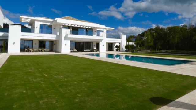 modernvillalazagaletagrasspool