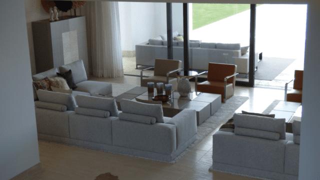 modernvillalazagaletalivingroom