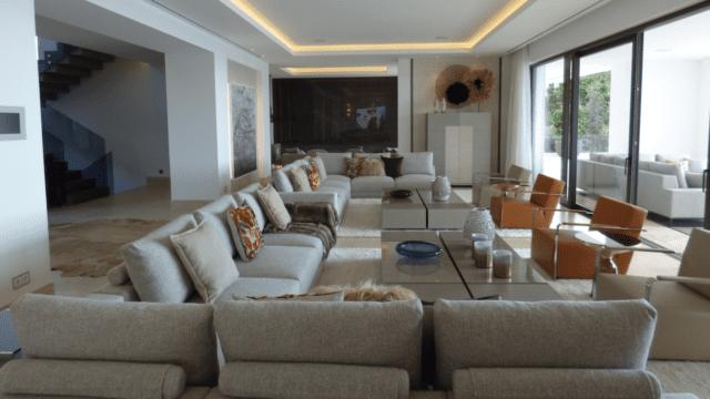 modernvillalazagaletalivingroom2