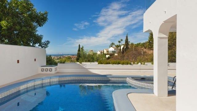 El Paraiso.Modern villa with sea views €765.000