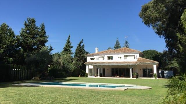 Marbella West large mansion 2nd line beach