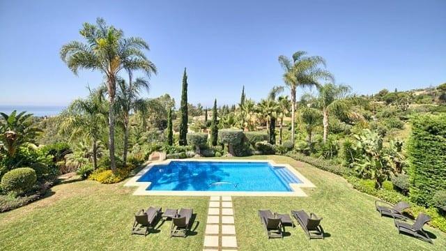 Marbella Golden Mile 7 bed Mansion gated urbanization