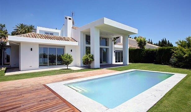 Nueva Andalucia contemporary south facing villa