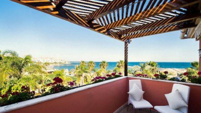 Puerto Banus beach front villa for sale