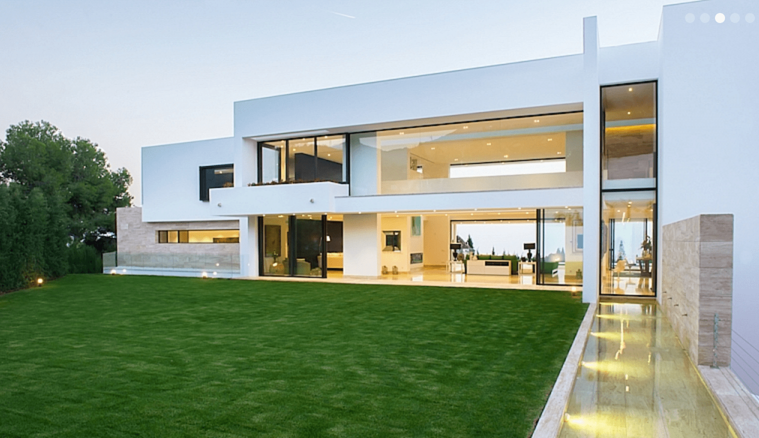 Modern marbella mansion for sale with sea views for Modern house villa