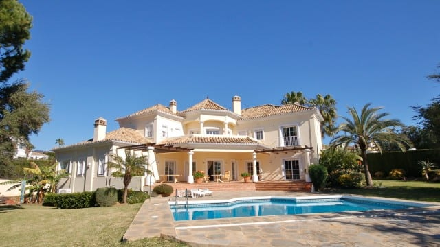 Elviria luxury villa for sale sea views