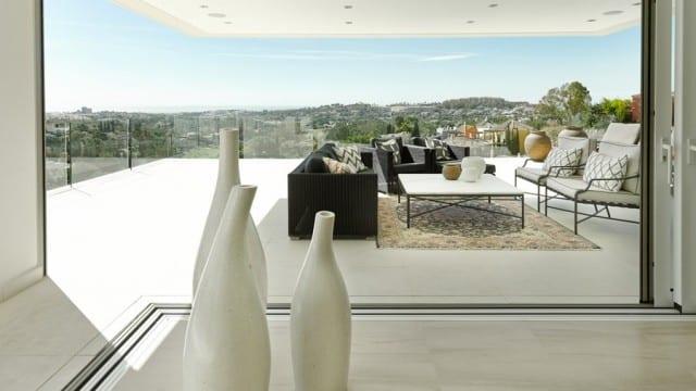 Nueva Andalucia new contemporary villa.Panoramic views