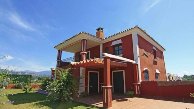 Guadalmina villa in gated community
