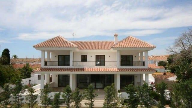 Near Puerto Banus and the beach beautiful villa