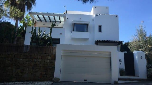 Modern 3 bedroom villa near Puerto Banus & Marbella