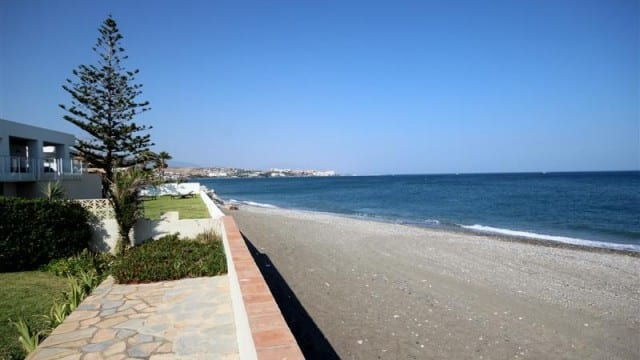 Estepona Beachfront villa only €1.2m